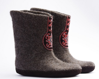 Felted indoor boots- wool shoes- high wool boots- valenki- natural foot wear- winter boots- snow boots- boiled wool boots