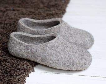 Natural breathable felt slippers with sole for women in grey color wool- felted slippers girl- lightweight wool slippers- ethical gift women