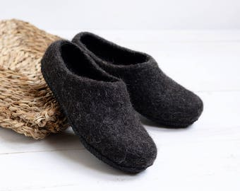 women felt slippers- black woolen shoes- slippers with natural rubber sole- warm home slippers