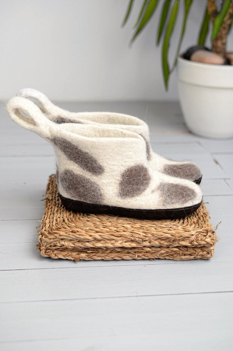 7bd91c3fb5486 Woman boot slippers, felt indoor ankle boots, warm house shoes from natural  sheep wool