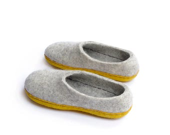 Felted slippers-winter slippers- felt clogs- boiled wool slippers- gray wool slippers- gift for her- indoor shoes- shoes