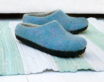 Felt wool slippers for women in blue color with rubber sole