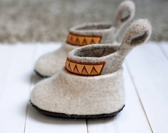 Kid's felted shoes- warm baby shoes with sole- organic kid's shoes- youth felt shoes- children winter shoes- felted shoes for kid's