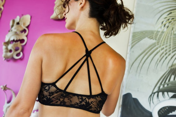 CRISS CROSS yoga sports bra strappy lace back crop top  a47c0139a