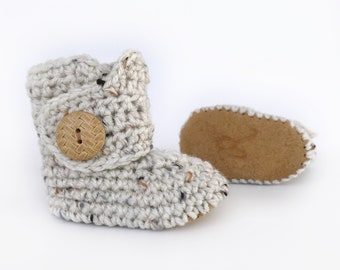 15023d40706a Handmade baby shoes. 1 pair goes to EndAlz by Raspberriez on Etsy