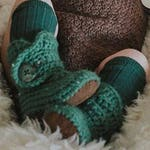 Infant Shoes, Unisex Baby Shoes, Gender Reveal Gift, Neutral Baby Clothes, Green Boy Boots, Crochet Baby Booties, Newborn Brown Crib Shoes