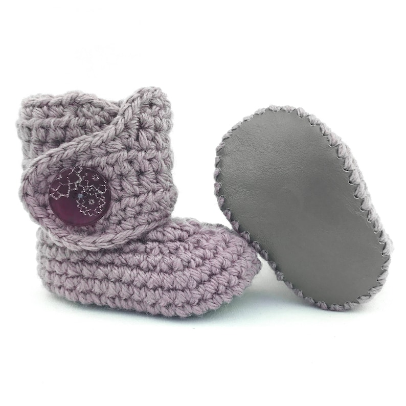 0d37e6d5f9a40 Pastel Purple Baby Shoes, Lavender Baby Boots, Knitted Baby Booties, Gray  Soft Soles, Lilac Crib Shoes, 12-18 Months, Winter New Walkers