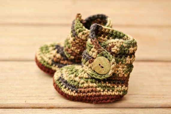 0968bf39b7cf0 Crochet Baby Booties, Camo Infant Boots, Camouflage Baby Clothes, Green  Booties, Country Baby Shoes, Newborn Present, Coming Home Outfit
