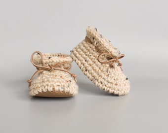 Neutral Summer Baby Booties with Brown Leather Soft Soles, Spring Crochet Baby Booty, Gender Neutral Baby Shower Gift, Unisex Infant Moccs