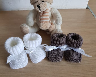 4be29e00ae646 2paires Chaussons bébé taille 0 3mois