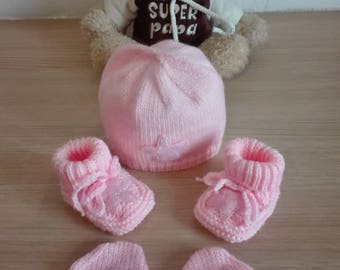 Bonnet booties and mittens