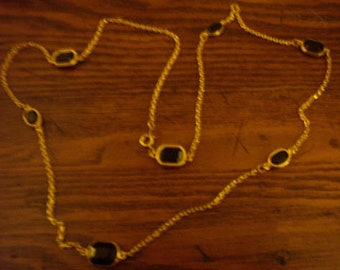 Vintage Faux Onyx Stone and Gold-tone Chain Necklace