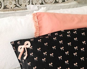 Pink Bows Pillowcases, pink and black pillows, pretty in pink bedding, crochet bow detail, gift for girl, gift for daughter,princess bedding
