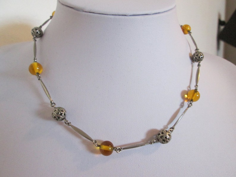 Amber Glass /& Silver Tone Bead Necklace