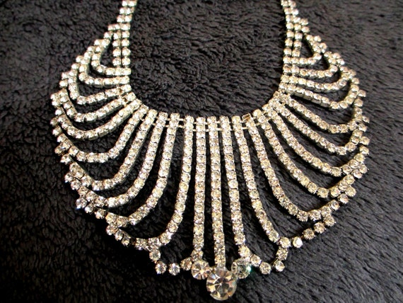 Vintage Costume Jewelry Necklace 16""