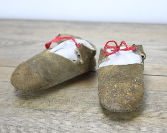 Antique - Primitive - Doeskin Baby Slipper  - Handsewn - Red Silk Ties - Late 1800's-1930's -
