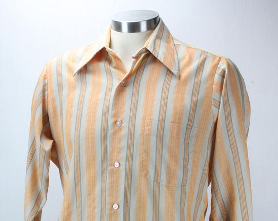 Vintage Men's Shirt - Hampshire house - by Van Heusen - 1960's - Peach and Antique White - Stripes - L - 15.5 N - Spring & Summer Fashion