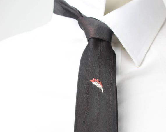 Vintage Men's Skinny Tie - Pink w/ Black Lame - Pink / White Feather Accents - 1950's - 1960's - Mid Century