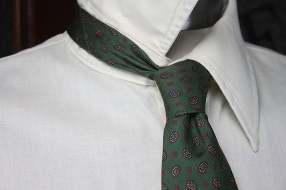 Vintage Men's Necktie - Paul Stuart - Green - Silk - Paisley - Designer Necktie - Vintage Men's Accessories - Vintage Men's Fashion