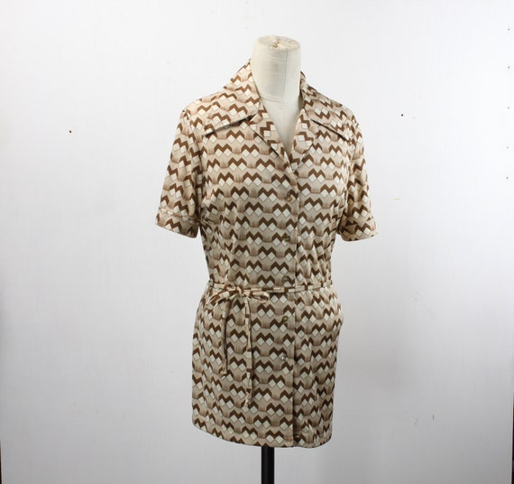 Vintage Women's Button Front Blouse - Sear's - White Brown Tan - Geometric Cube Pattern- L 12 - 1970's - W/ Belt - Butterfly Collar
