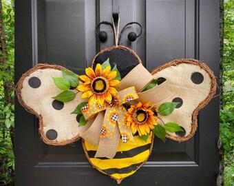 BEE WREATH for Front Door, Bee Decor, Sunflower Wreath, Summer Door Wreaths, Every Day Door Hanger, Burlap Wreath, Farmhouse Wreath, Gift