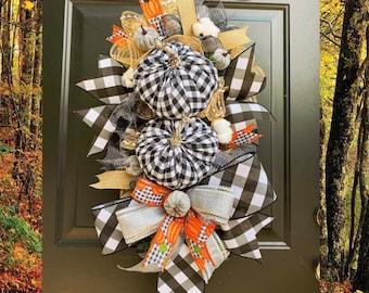Black and White Buffalo Check Fall Wreath, Fall Wreath for Front Door, Wreath with Pumpkins, Farmhouse Autumn Home Decor, Cotton, Burlap