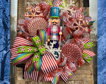 Christmas Wreath for Front Door, Nutcracker Wreaths, Christmas Candy Decorations, Candy Wreath, Holiday Home Decor, Pink and Blue Christmas