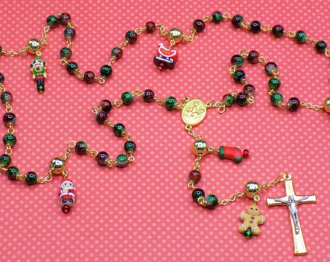 Christmas Rosary - Glass Marble Green & Red Beads - Peru Ceramic Christmas Charms - Holy Family-Spirit Center - Ital Two Tone Gold Crucifix