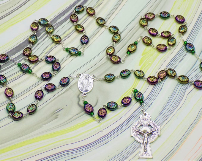 Shamrock Rosary - Czech Iris Green Shamrock Glass Beads - Czech Beads - Italian Silver St Patrick Center - Italian Silver Celtic Crucifix