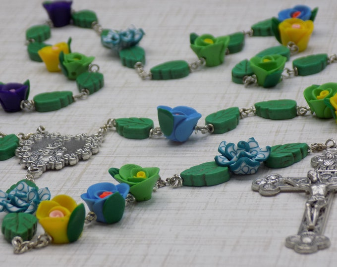 Flower and Leaves Floral Rosary - Polymer Clay Flower Beads - Green Stone Leaf Beads - Italian Mary Center - Italian Eucharistic Crucifix