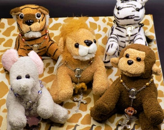 "One Decade Animal Rosaries with Matching 5"" Stuffed Animals - Choose From: Lions - Monkeys - Tigers - Zebras - Elephants - Giraffes"