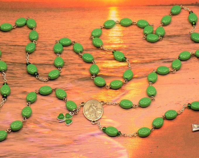 Shamrock Rosary - Czech Green Shamrock Glass Beads - Italian Silver St Patrick Center - Italian Silver Celtic Crucifix - Shamrock Charm