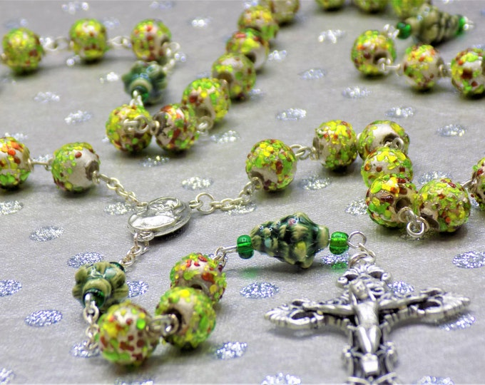 Christmas lampwork Glass Rosary - Textured lampwork Glass Beads - Christmas Tree Beads -Mary & Child Earth Center -Italian Filigree Crucifix