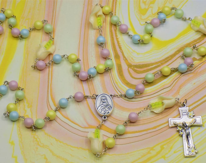 Pastel Easter Lily Rosary - Swarovski Pastel Pearl Beads - Stone White Calla Lily Beads - St. Therese Flower Center - Italian Lily Crucifix