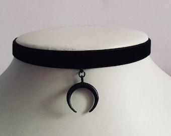 Crescent Moon Choker Gothic Grunge Horn Velvet Black Emo Necklace Collar Jewelry