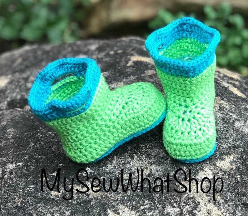 774efc717acf2 Baby Girls or Boys Green and Blue Rain Booties - Size 3-6 Months