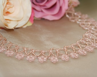 Pink netted necklace