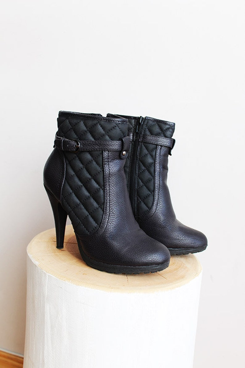 a23a183e2d0 90s VEGAN High Heeled Boots Quilted Eco Pleather Leather Free