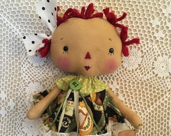St Patricks Day Annie/Primitive Raggedy Ann doll/HAndmade cloth doll/collector doll Prim spring decor/FAAP