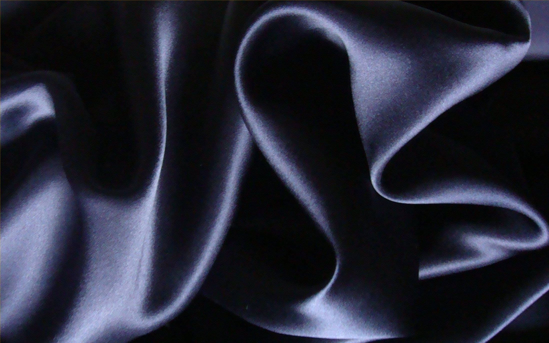 Stretch en crêpe tissu de soie Charmeuse crêpe en soutenu Satin bleu marine 135 cm (53