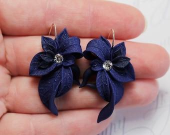 Dark blue Earrings. Navy blue earrings. Leaf earrings. Polymer clay jewelry. Blue Jewelry Floral earrings. Navy blue bridesmaid gift for mom