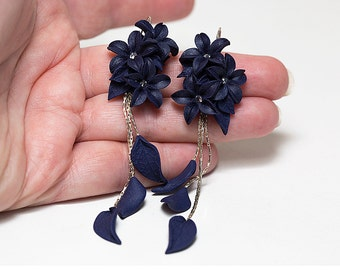 Dark blue Long earrings. Cobalt blue flowers earrings. Polymer clay jewelry. Navy Blue bridesmaid. Blue Jewelry. Statement earrings Floral