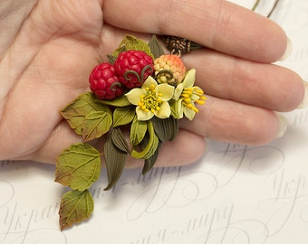 Raspberry Necklace. Red berry necklace. Polymer clay jewelry. Fruit necklace. Berries Jewelry. Botanical jewelry Woodland necklace Floral