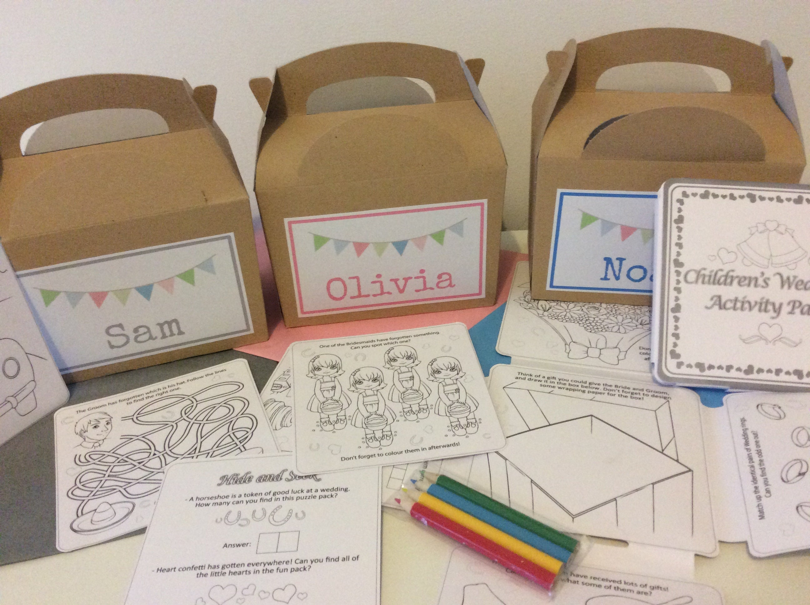 with activity pack pencils /& tissue paper Personalised Childrens Wedding Activity Kraft Brown Box