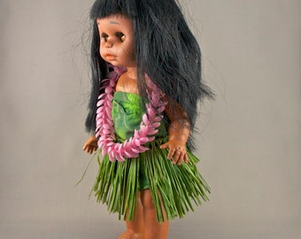 ffd19531c Hawaiian Hula Dancer Vintage Plastic Doll in Traditional Grass Skirt and Flower  Lei Costume