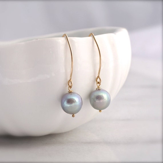 Grey Edison pearl earrings