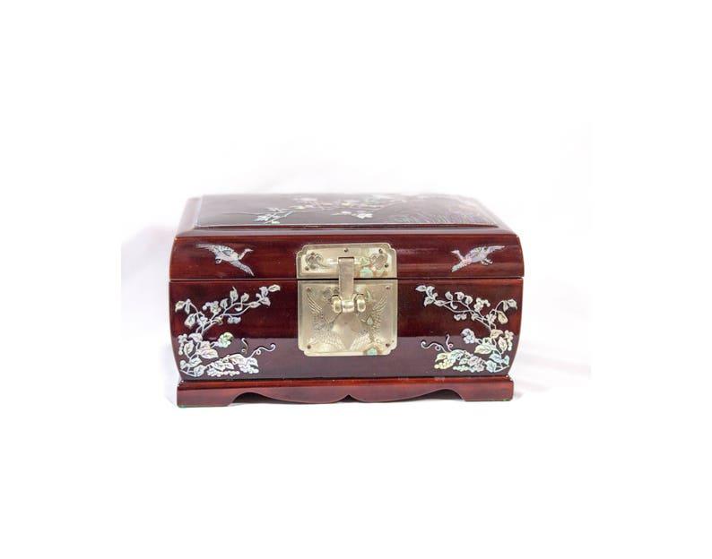76943bafb84 Boîte à bijoux asiatique Vintage boîte incrustations Abalone