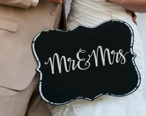 Mr& Mrs SVG - Wedding SVG - Bride SVG - Groom Svg - Marriage Svg - Bride and Groom Svg - Calligraphy - Silhouette Cut Files - Circuit Svg