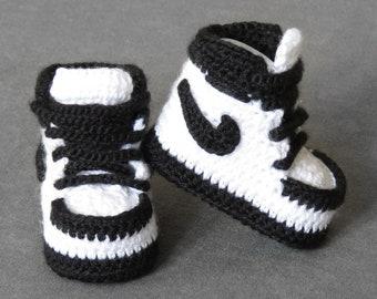 Black baby booties crochet   crochet baby shoes   baby shoes   baby boy coming home outfit   baby shoes boy   baby shoes girl