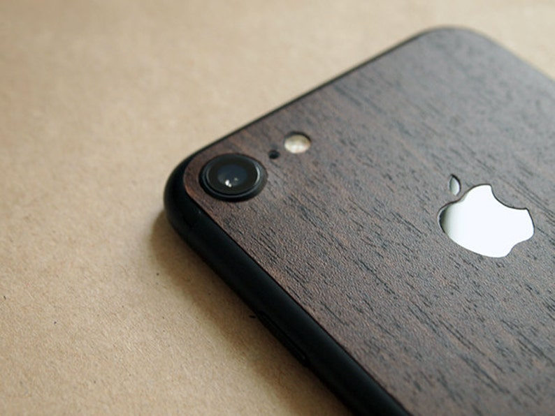 3M iPhone 7 and 8 Fine Wood high quality skin wrap